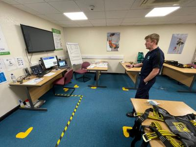 Derek Speirs running virtual confined space training course