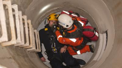 Delegates using the confined space training facility at MRS Training & Rescue Inverkeithing